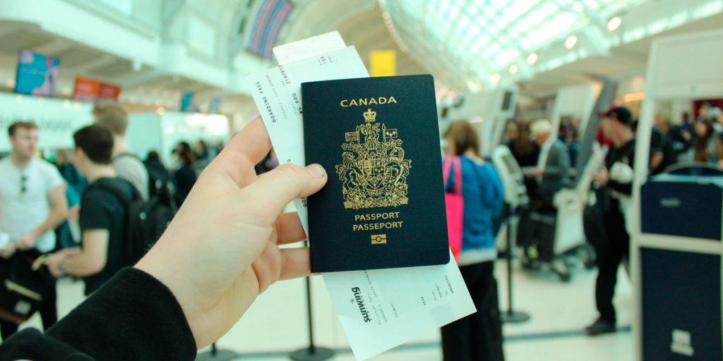 Visa pasaporte y boletos de avión